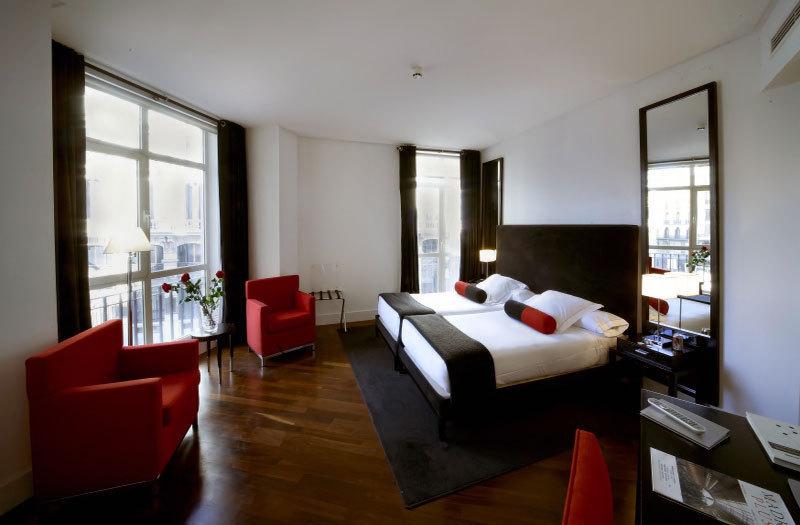 Hotel quatro puerta del sol madrid espagne for Hotel paris en madrid puerta del sol
