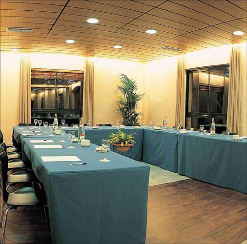 Hotel jard n milenio elx espa a for Hotel jardin milenio elche