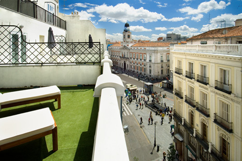 Hotel moderno puerta del sol madrid spain for Hotel madrid sol