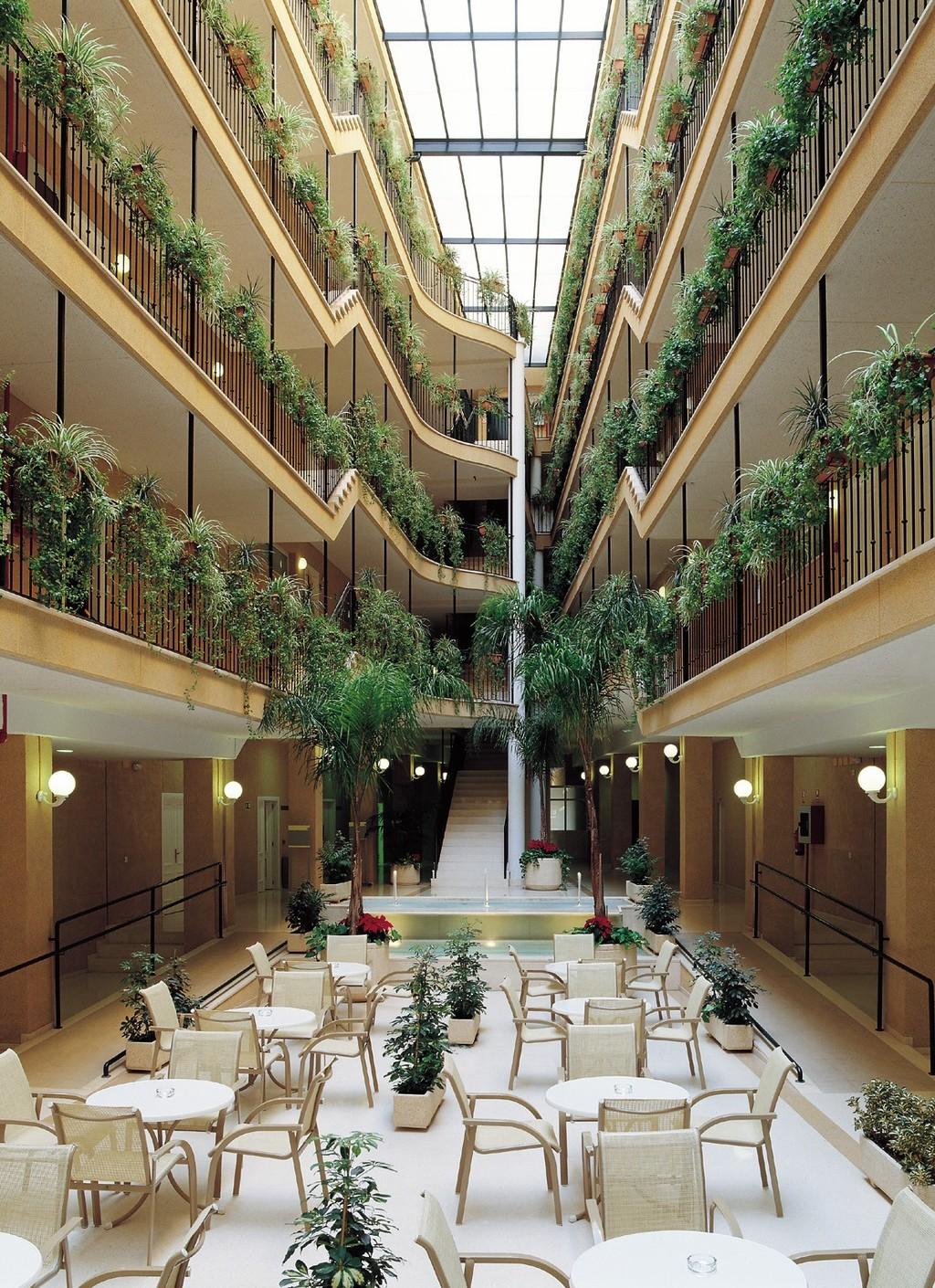 Aparthotel nh jardines del turia burjassot espa a - Hotel jardines del turia ...