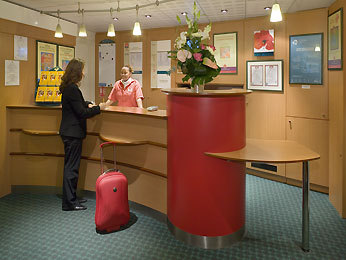 Hotel Ibis Paris Gare Du Nord La Fayette 10 Me Paris 10e