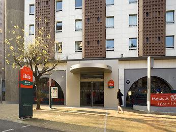 Hotel Ibis Rue Cambronne  Paris