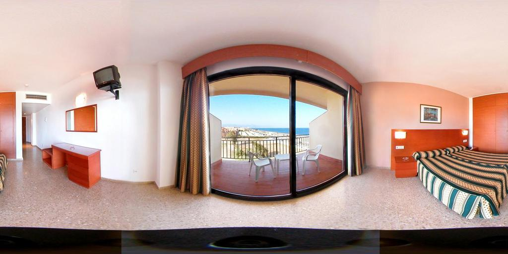 Hotel Puente Real Torremolinos Spain Hotelsearch Com