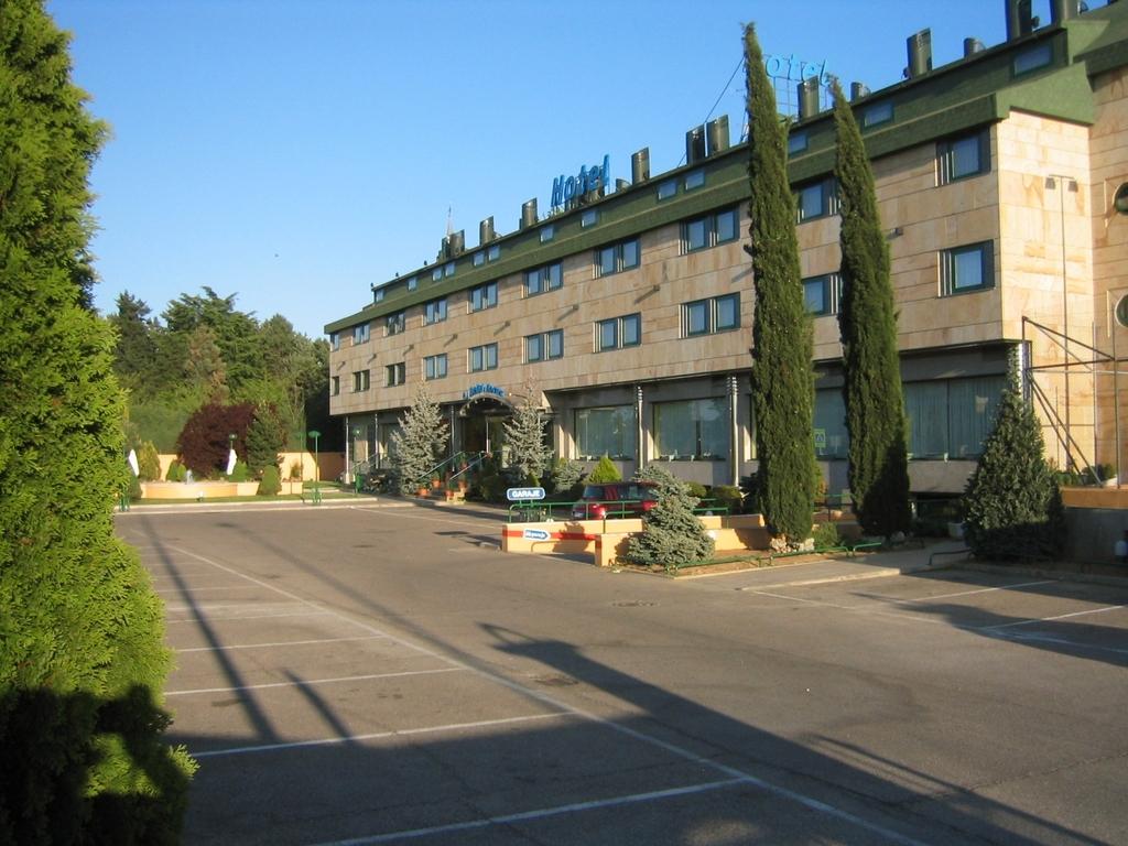 Hotel oasis horus salamanca santa marta de tormes espa a for Codigo postal del barrio de salamanca en madrid