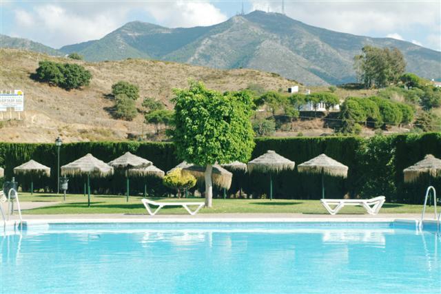 Hotel hacienda puerta del sol mijas espa a for Resort puertas del sol precios