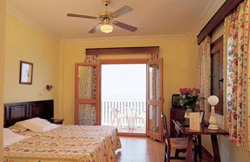 hotel gallo chiclana: