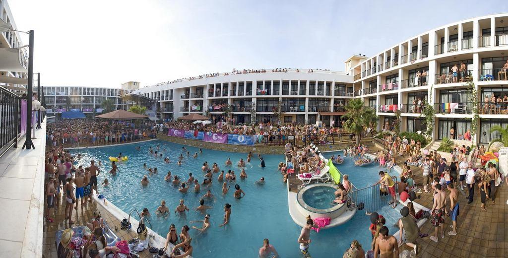 Hotels Near Ibiza Rocks