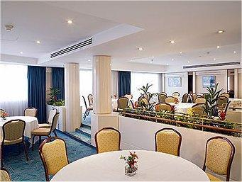 Hotel mercure paris porte de st cloud boulogne billancourt france - Parking porte de saint cloud ...