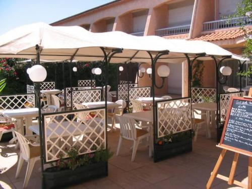 hotel mona lisa val 39 hotel la valette du var france. Black Bedroom Furniture Sets. Home Design Ideas
