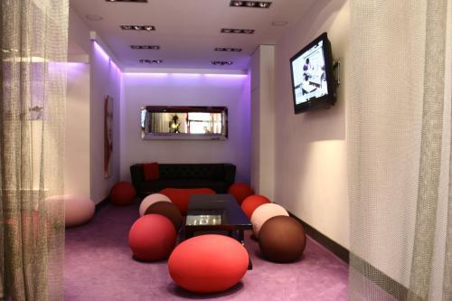 Hotel ideal hotel design paris 14e arrondissement france for Hotel ideal design