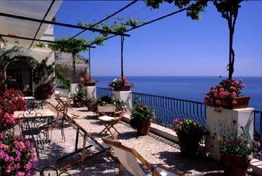 hostel villa rosa positano italy. Black Bedroom Furniture Sets. Home Design Ideas
