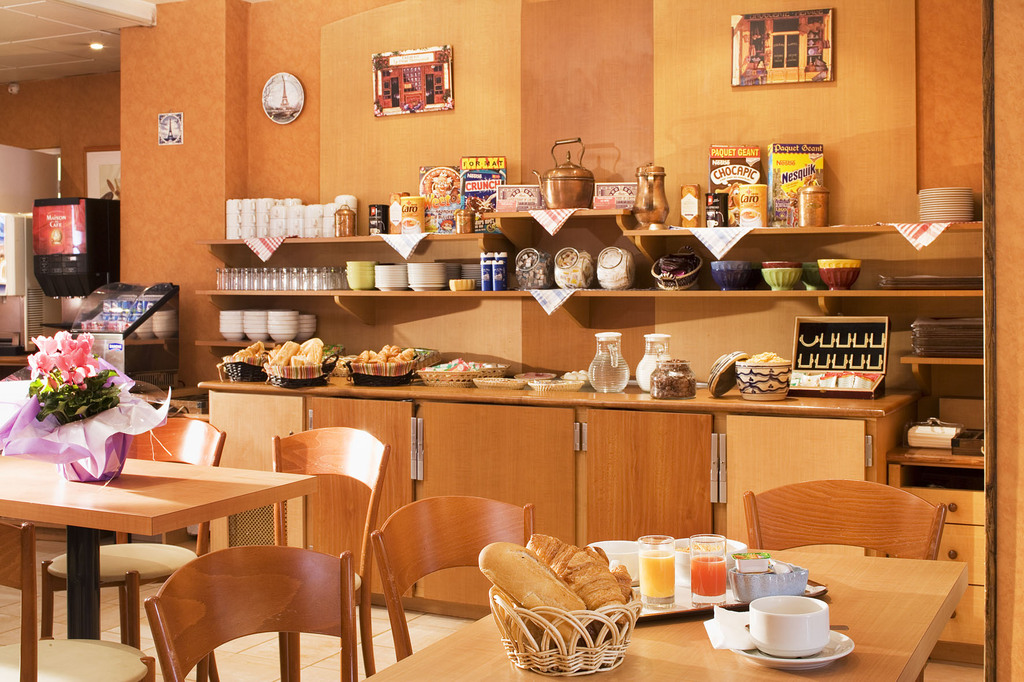 Hotel Timhotel Place D U0026 39 Italie