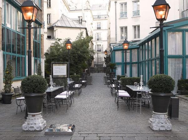 Hotel les jardins du marais home plazza paris 11e for Hotel du jardin