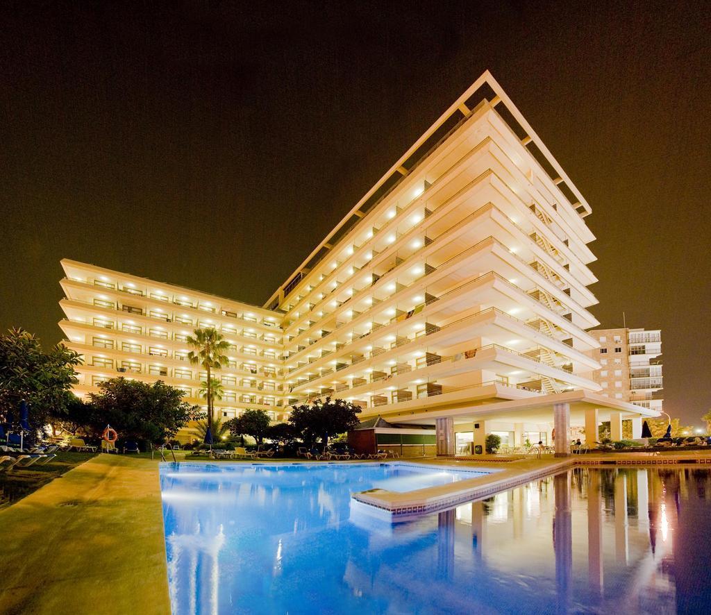 Hotel hotasa cervantes torremolinos spain for Hotel search