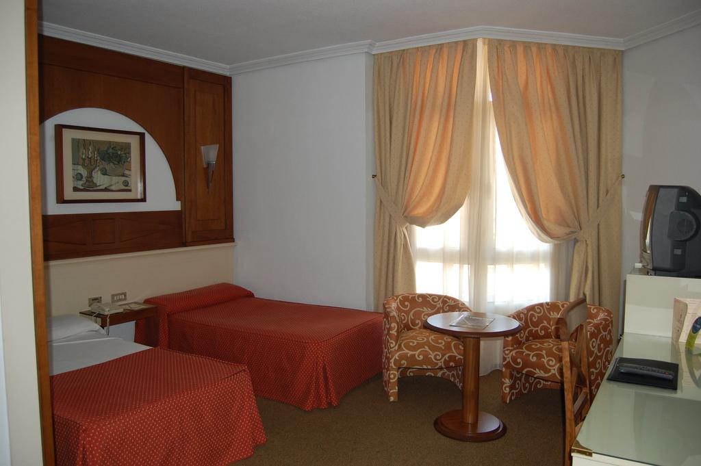 Hotel pasarela sevilla espa a for Hotel pasarela sevilla