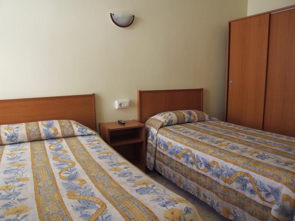 hostel marfil la jonquera espagne