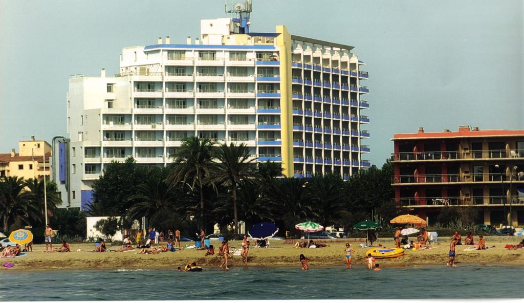 Aparthotel xon 39 s platja castell d 39 emp ries espagne for Apart hotel espagne